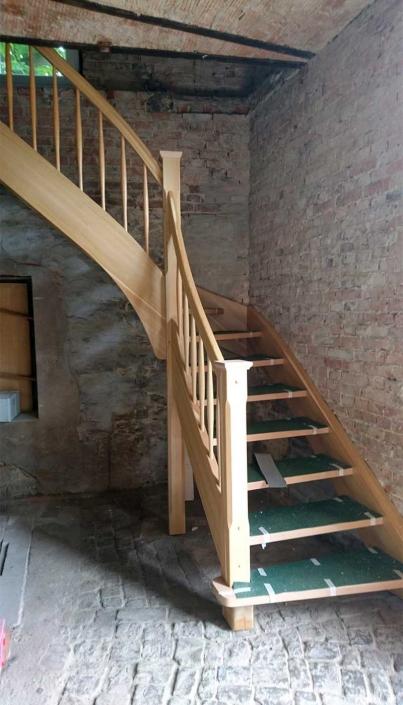 Holztreppe in Schönebeck